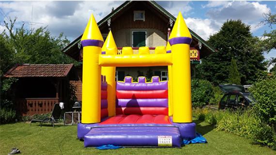 Hüpfen und Rutschen - Schloss